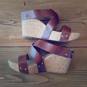 🍀 Lucky Wedge Sandals